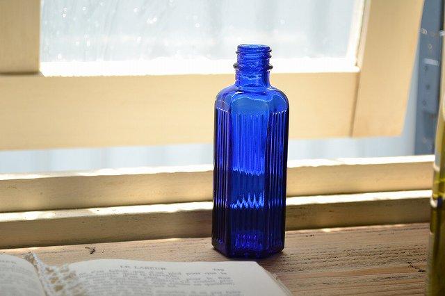 綺麗なコバルトブルーの薬瓶/ポイズンボトル/2oz/お店づくり、お部屋づくりにピッタリ/インテリア