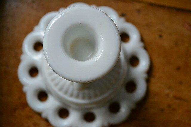 ミルクグラス キャンドルスタンド/キャンドルホルダー Bです。