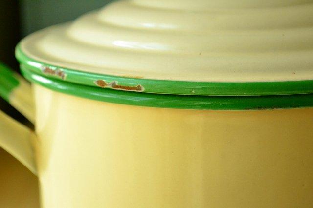 アンティーク ホーロー FLOUR缶(フランス製)/ENAMELです。