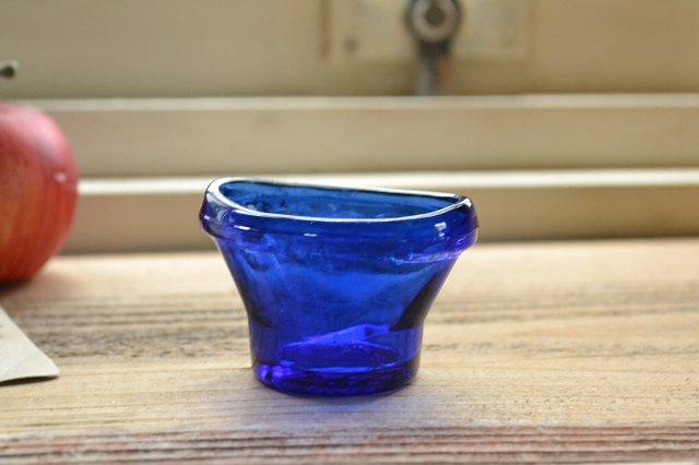 コバルトブルーのアイカップ