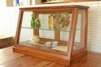 送料無料!木とガラスのショーケース アカシア EWIG ミニキャビネット ガラスケース ショーケース 40820 ワイドタイプ 収納 ナチュラル 木製 茶 ブラウン ディスプレイ