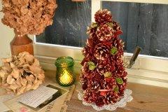 天然素材を使った クリスマスツリー ルージュ