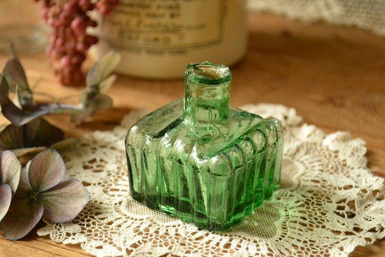レア!グリーンの波型インク瓶/インクボトル