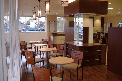 カフェ併設の美容室への店舗改装もお任せ下さい!