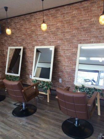 レンガ調の美容室への店舗改装もお任せ下さい!
