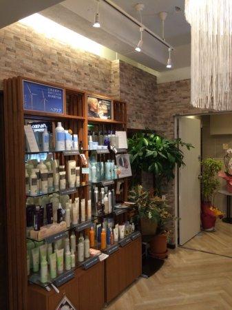 おしゃれな理容室・美容室への店舗改装もお任せ下さい!