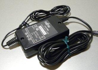 FujiTSU  8.4V1.0A  CAO1007-0330 ■493
