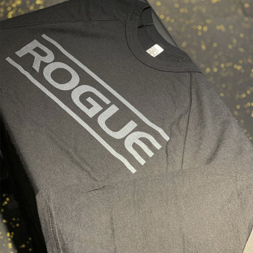 【即お届け】【ROGUE】ROGUE BLACK ON BLACK 3/4 SLEEVE(Black)<img class='new_mark_img2' src='https://img.shop-pro.jp/img/new/icons7.gif' style='border:none;display:inline;margin:0px;padding:0px;width:auto;' />