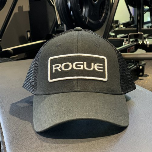 【即お届け】【ROGUE】ROGUE PATCH TRUCKER HAT(Black)<img class='new_mark_img2' src='https://img.shop-pro.jp/img/new/icons7.gif' style='border:none;display:inline;margin:0px;padding:0px;width:auto;' />