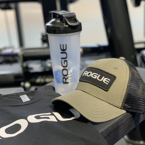 【即お届け】【ROGUE】ROGUE PATCH TRUCKER HAT(Olive Green)<img class='new_mark_img2' src='https://img.shop-pro.jp/img/new/icons7.gif' style='border:none;display:inline;margin:0px;padding:0px;width:auto;' />