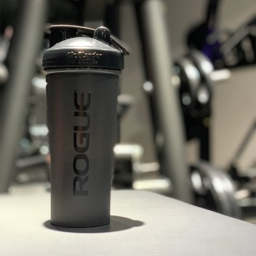 【即お届け】【ROGUE】ROGUE BLENDERBOTTLE® CLASSIC™(Black/28oz)<img class='new_mark_img2' src='//img.shop-pro.jp/img/new/icons50.gif' style='border:none;display:inline;margin:0px;padding:0px;width:auto;' />