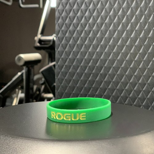 【即お届け】【ROGUE】ROGUE SILICONE BRACELET(GREEN /YELLOW)<img class='new_mark_img2' src='//img.shop-pro.jp/img/new/icons7.gif' style='border:none;display:inline;margin:0px;padding:0px;width:auto;' />