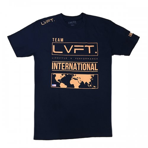 【EXCLUSIVE COLLECTION】【即お届け】【LIVE FIT】【LVFT】INTERNATIONAL TEE(Navy/Coral)<img class='new_mark_img2' src='https://img.shop-pro.jp/img/new/icons7.gif' style='border:none;display:inline;margin:0px;padding:0px;width:auto;' />