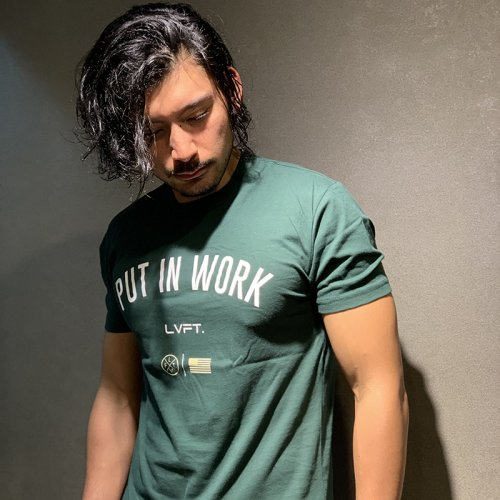 【EXCLUSIVE COLLECTION】【即お届け】【LIVE FIT】【LVFT】Put In Work Tee(Green/White)<img class='new_mark_img2' src='https://img.shop-pro.jp/img/new/icons7.gif' style='border:none;display:inline;margin:0px;padding:0px;width:auto;' />