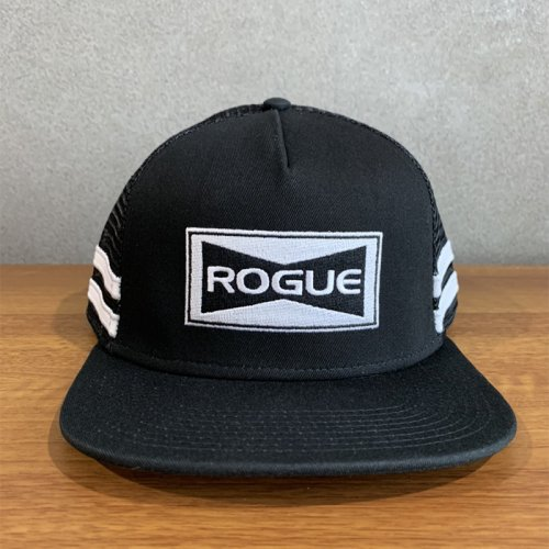 【即お届け】【ROGUE】ROGUE STRIPED TRUCKER HAT (Black)<img class='new_mark_img2' src='https://img.shop-pro.jp/img/new/icons50.gif' style='border:none;display:inline;margin:0px;padding:0px;width:auto;' />