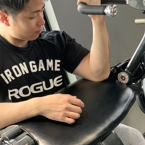 【即お届け】【ROGUE】ROGUE IRON GAME T-SHIRT(Black)<img class='new_mark_img2' src='https://img.shop-pro.jp/img/new/icons7.gif' style='border:none;display:inline;margin:0px;padding:0px;width:auto;' />