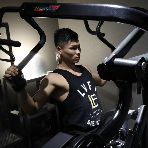 【即お届け】【LIVE FIT】【LVFT】LVFT. Die Strong Tank(Black )<img class='new_mark_img2' src='https://img.shop-pro.jp/img/new/icons7.gif' style='border:none;display:inline;margin:0px;padding:0px;width:auto;' />