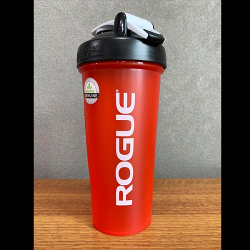 【即お届け】【ROGUE】ROGUE BLENDERBOTTLE® CLASSIC™(RED/28oz)<img class='new_mark_img2' src='https://img.shop-pro.jp/img/new/icons7.gif' style='border:none;display:inline;margin:0px;padding:0px;width:auto;' />