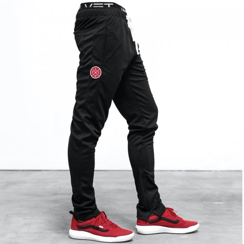 【即お届け】【LVFT】【LIVE FIT】SLIM TRACKIES (BLACK/BLACK)<img class='new_mark_img2' src='https://img.shop-pro.jp/img/new/icons7.gif' style='border:none;display:inline;margin:0px;padding:0px;width:auto;' />