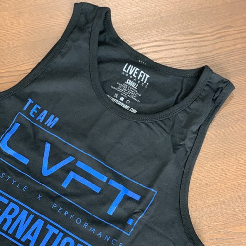 【即お届け】【LIVE FIT】【LVFT】INTERNATIONAL TANK (BLACK/BLUE )<img class='new_mark_img2' src='https://img.shop-pro.jp/img/new/icons7.gif' style='border:none;display:inline;margin:0px;padding:0px;width:auto;' />