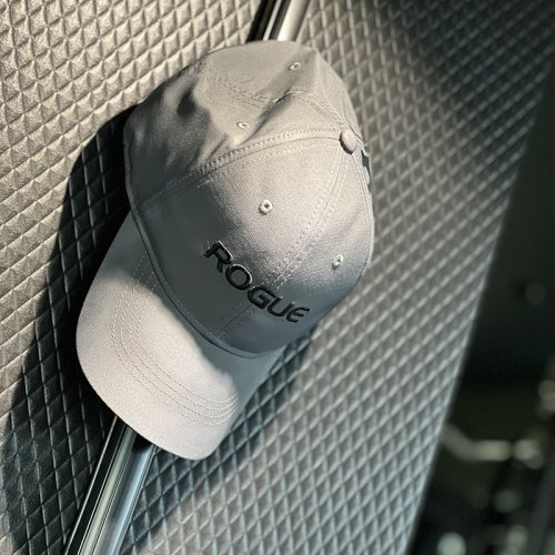 【即お届け】【ROGUE】ROGUE NIKE PERFORMANCE CAP (Dark Gray)<img class='new_mark_img2' src='https://img.shop-pro.jp/img/new/icons7.gif' style='border:none;display:inline;margin:0px;padding:0px;width:auto;' />