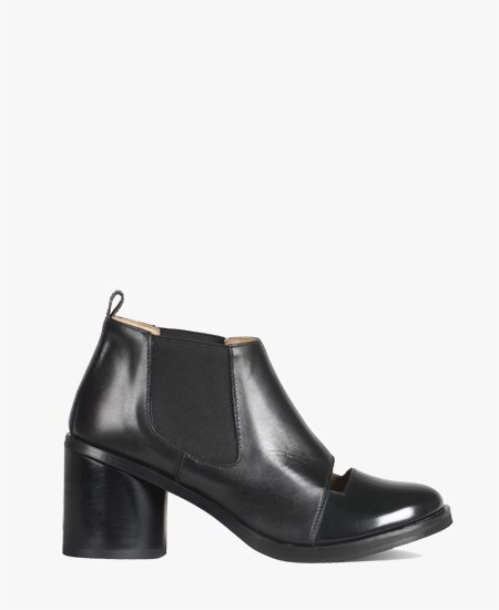 <img class='new_mark_img1' src='//img.shop-pro.jp/img/new/icons2.gif' style='border:none;display:inline;margin:0px;padding:0px;width:auto;' />Deux Souliers - Chelsea Bootie #2 Black オープンフロント ブーティ (ブラック)