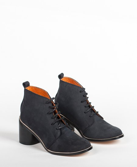 <img class='new_mark_img1' src='//img.shop-pro.jp/img/new/icons2.gif' style='border:none;display:inline;margin:0px;padding:0px;width:auto;' />Deux Souliers - Desert Heel #1 Nobuc Black ヌバック・チャンキーヒール・レースアップ・ブーティ (ブラック)