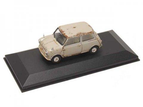 CORGI製 Austin Mini Se7en Deluxe, Farina Grey, The 4th Oldest Surviving Mini 1/43